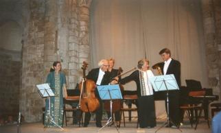 En 1989, la 16ème édition du Festival et les 75 ans de Paul Tortelier. Schumann, Maria de La Pau et Jacqueline Gotteland: pianistes – Paul Tortelier et Florence Wilson Joulain: violoncelles – Hervé Joulain: cor